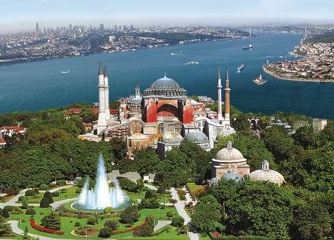 shore-Hagia-Sophia-Istanbul-Bosporus