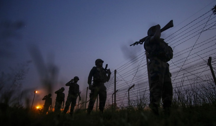 india-pak-border-Border-Security-Force-BSF-soldiers-patrol-Loc-jammu-pti