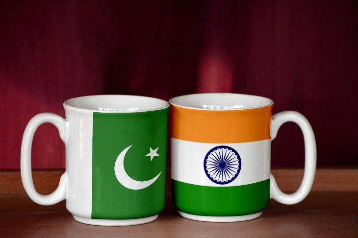 QT-India-and-Pakistan-flag